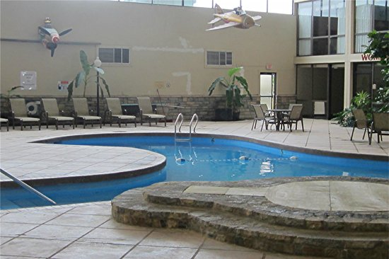 Days Inn Columbus Airport: A tropical lagoon