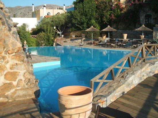 Arolithos Traditional Cretan Village: la piscine