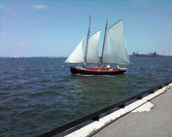 Pier 4 Park : Sailing Ships