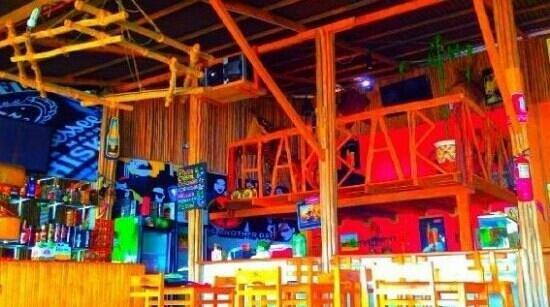 Blacksheep Hostel : bar del blacksheep (harbar)