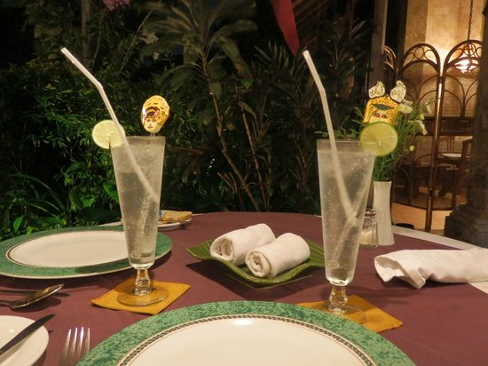 Tamukami Hotel: Couple of Arak Attack cocktails