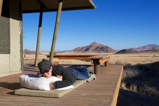 Wolwedans Dune Camp: relaxing at Boulders Camp