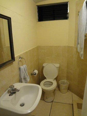 Hotel Meson de Maria: bath