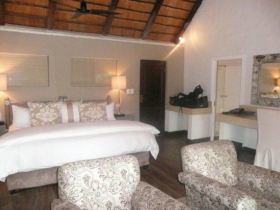 Londolozi Founders Camp : Our comfortable room