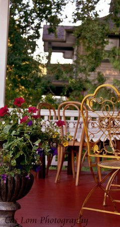 Clayburn Village Bed and Breakfast: the veranda