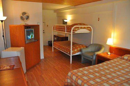 Le Boisé du Lac : chambre familiale - www.boisedulac.com