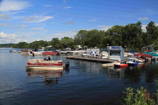 Bridge Marina Pontoon Boat Rental leaves the dock for a day of fun on Lake Hopatcong
