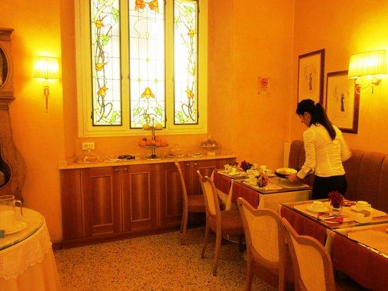 Mercure Milano Centro: café da manhã