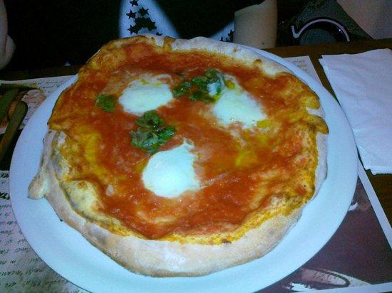 Taverna Rossa: pizza bufalina