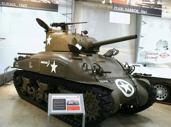 Flying Heritage & Combat Armor Museum: Early Abrams tank