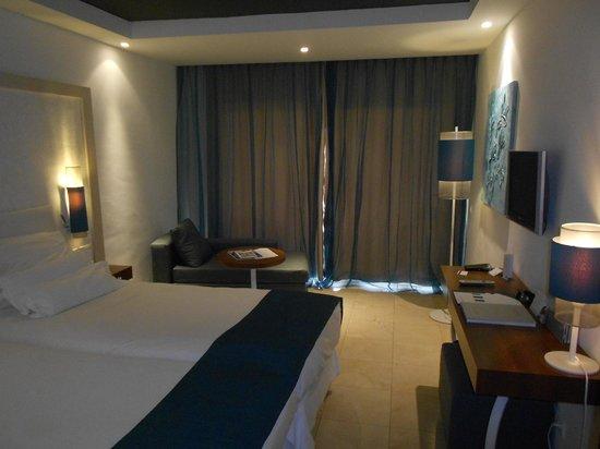 Hotel Jardin Tropical: Room