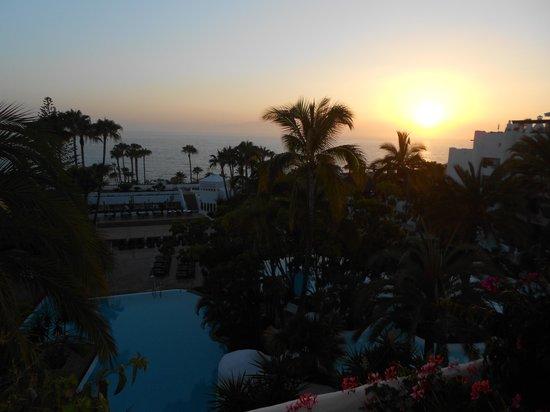 Hotel Jardin Tropical: Sunset View