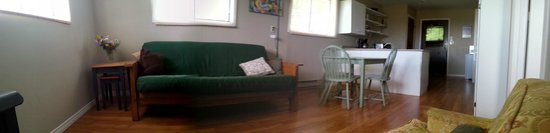 B&B at Salt Spring Apple Company: Relax in comfort and quiet in the GoldRush suite