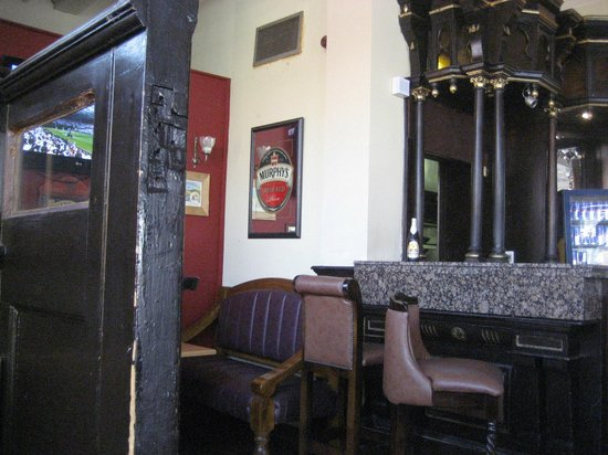 Ronnie Drew's: View from Snug