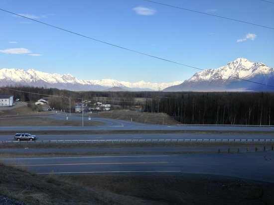 Alaska Garden Gate B & B: View as you drive up to the AGG B&B