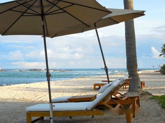 The St. Regis Punta Mita Resort: Lounging at the beach