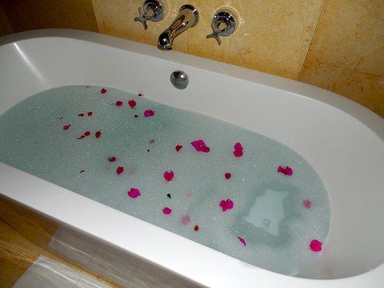 The St. Regis Punta Mita Resort: Surprise bubble bath