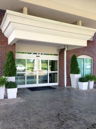Holiday Inn Express & Suites Lexington Dtwn Area-Keenland: Main entrance