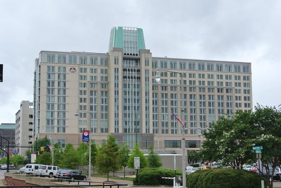 Renaissance Montgomery Hotel & Spa at the Convention Center: Outside view of the Renaissance Montgomery