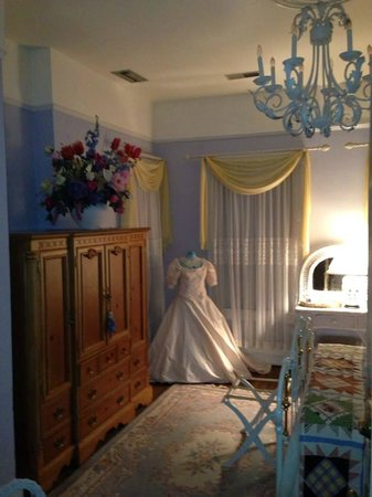 Cobb Lane Bed & Breakfast: A suite