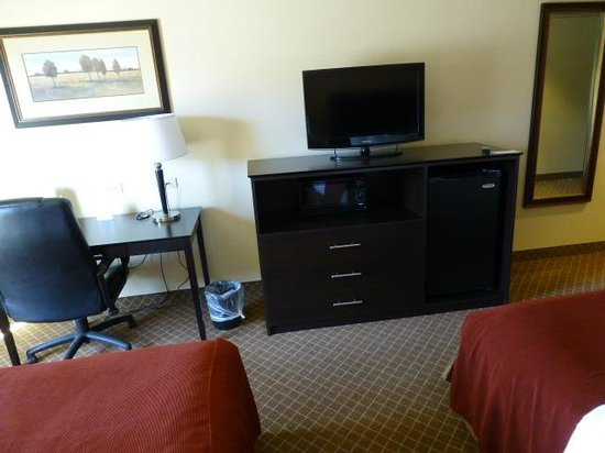 La Quinta Inn & Suites Ely: TV