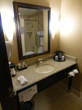 La Quinta Inn & Suites Ely: Bath