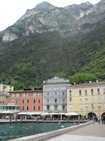 Europa Riva Del Garda: Hotel and surroundings.