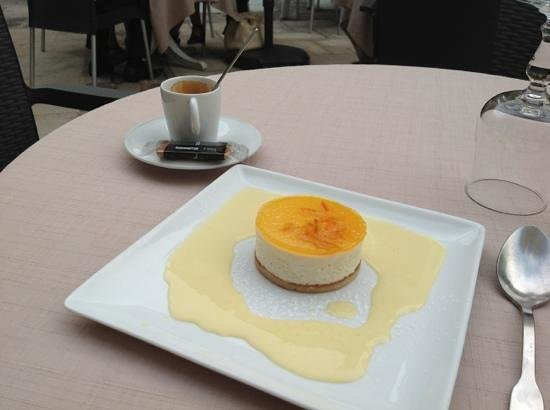 Le Cheval Noir: Dessert bien présenté, reste a déguster après un repas sans faute!