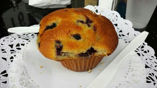 Villanueva Restaurant: blueberry muffin - melts in your mouth
