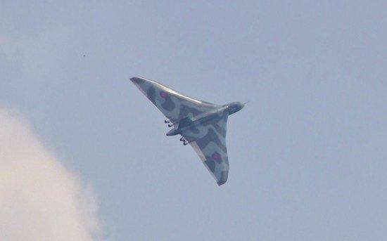 RAF Waddington Airshow: Vulcan in flight