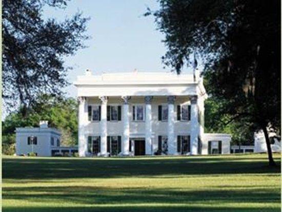Pinewood, Carolina del Sur: Millford Plantation, exterior