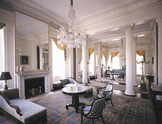 Pinewood, Carolina del Sur: Formal living room
