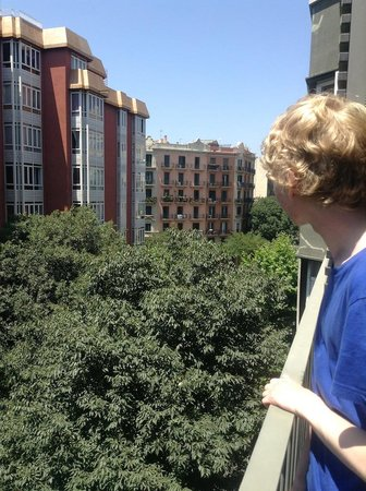 AinB Eixample Entenza: Great view from the bedroom