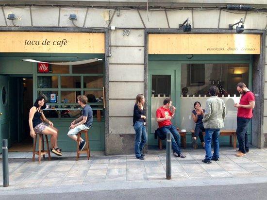 Taca de Cafè: Bancs
