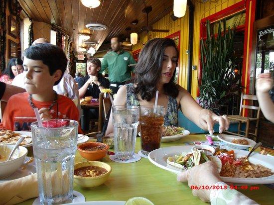 Pappasito's Cantina : Eating w/family