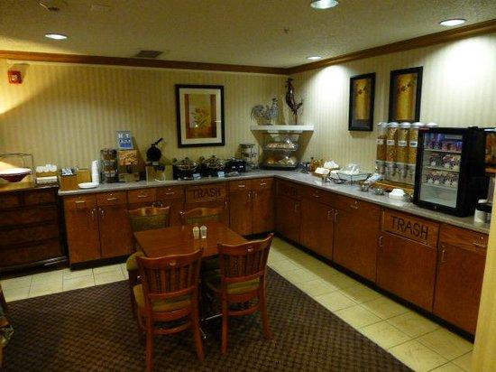 Fairfield Inn Boise: Breakfast area