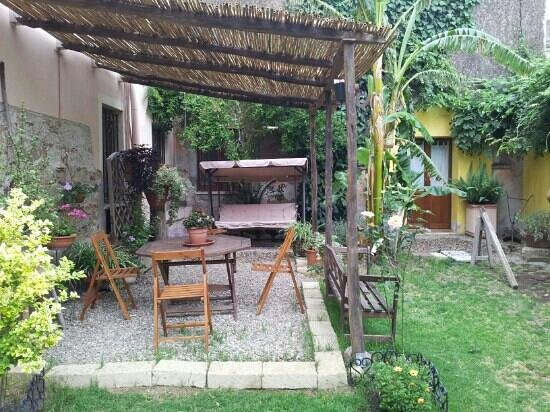 Casa Camboni : il giardino interno