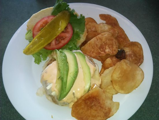 Pink Pony : Chicken Burgur with Brie, Avocado & Chipotle Aeoli Sauce