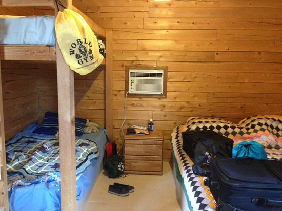 Garden of the Gods RV Resort: Interior of Bunkhouse 17