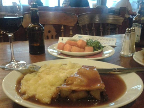 The Narrow Boat: Pie of the day