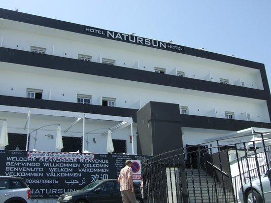 Hotel Natursun: Voorkant hotel