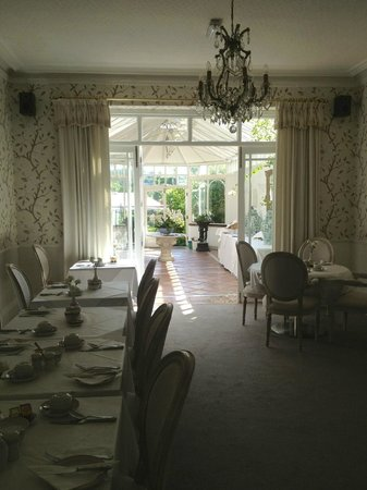 The Cranleigh Hotel