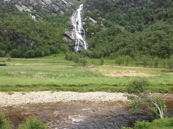 Lochaber Lodges: Awesome Steall Falls