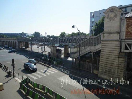 Mercure Paris Bercy Bibliotheque : uitzicht op station