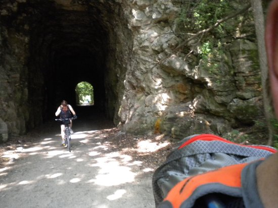 Katy Trail State Park: Rocheport tunnel