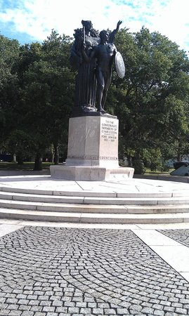 Charleston's Finest Historic Tours: Confederate Defenders...