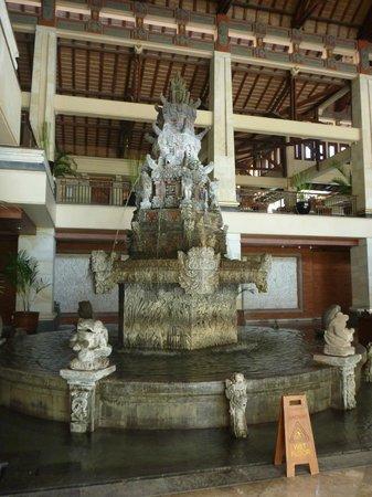 Nusa Dua Beach Hotel & Spa: Lobby