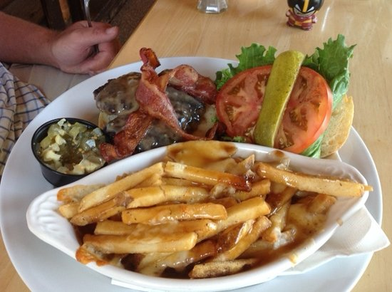 Knobby's Sportsman Restaurant: bison burger and poutine with cheese curds