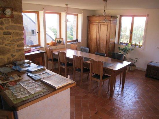 Chambres d'hotes de Gouelet-Ker: zona colazione (vista sulla baia)