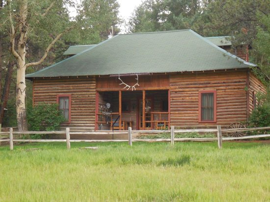 "North Fork Ranch: The Homestead ""Cabin"" - housed 7 family members!"